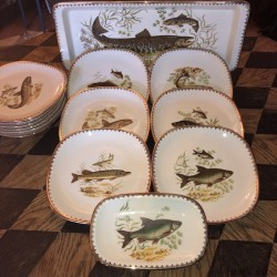 Old fish service   12 Plates and 2 dishes   Vintage