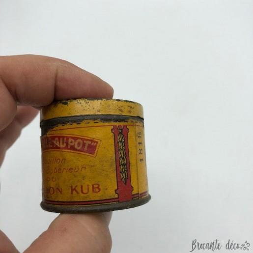 """RARE """"LA POULE AU POT"""" très ancienne petite boite de bouillon KUB"""