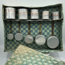 Old dinette box | Spice tins and saucepan series | No. 283