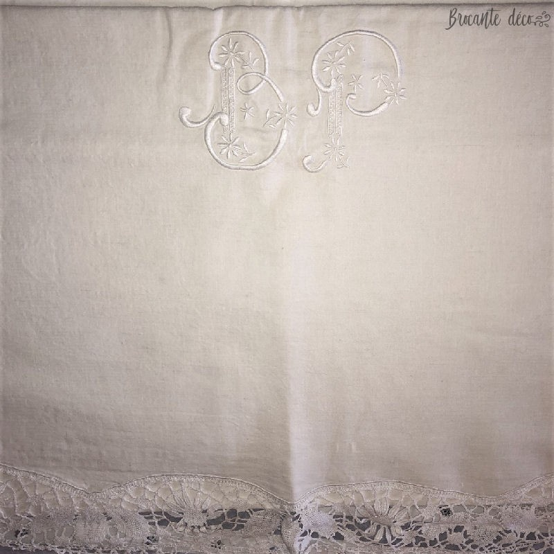 Beautiful old sheet - Lace and Embroidered Monogram B P