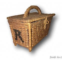 Old small wicker basket | Dinette or doll basket | Old toy