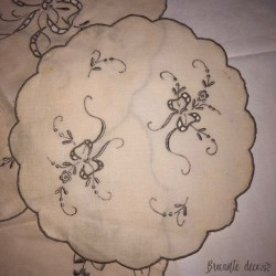 Lot of old doilies - Gray embroidery