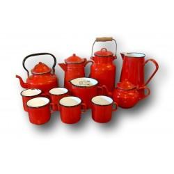 Old set in red enamelled sheet | 11- Piece | Vintage