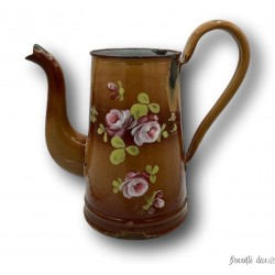 Old enamelled sheet coffee maker| AUBECQ | Brown | Embossed floral decor