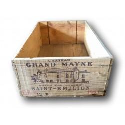 Old wooden wine crate   Château Grand Mayne Saint Émilion 1981