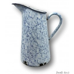 Ancien broc en tôle émaillée | Marbré blanc et bleu
