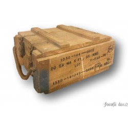 Ancienne caisse de munitions    Ancienne caisse en bois
