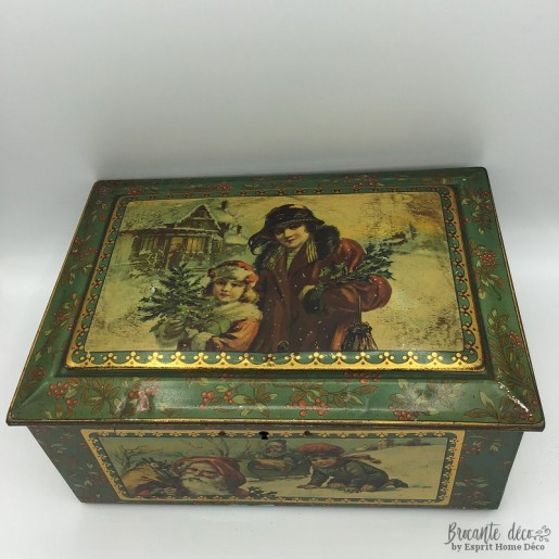 Old box or jewelry box