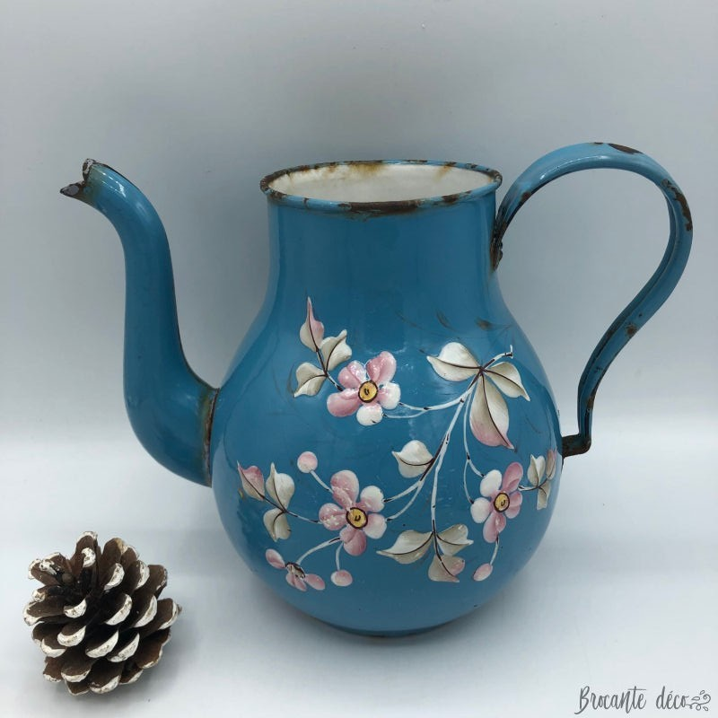 Old coffeepot large pot blue floral decor