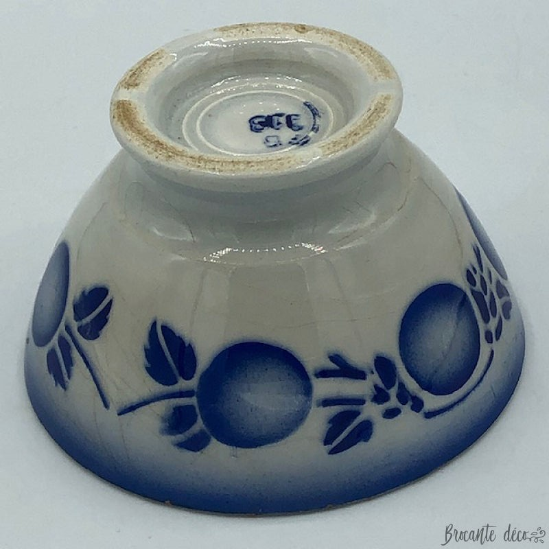 Old small bowl 5 cm high - F B 08 - White and blue