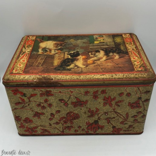 Old large lithographed tin box - Decor cats