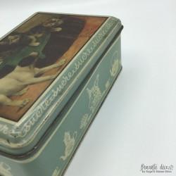 Vintage sugar box