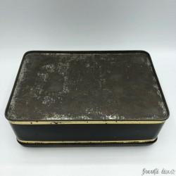 Ancienne boîte en tôle lithographiée décor chats et chien - Noire