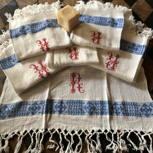 6 old embroidered hand towels R - Honeycomb
