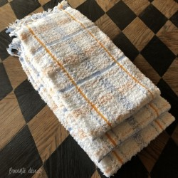3 Old terry towels - Fringed