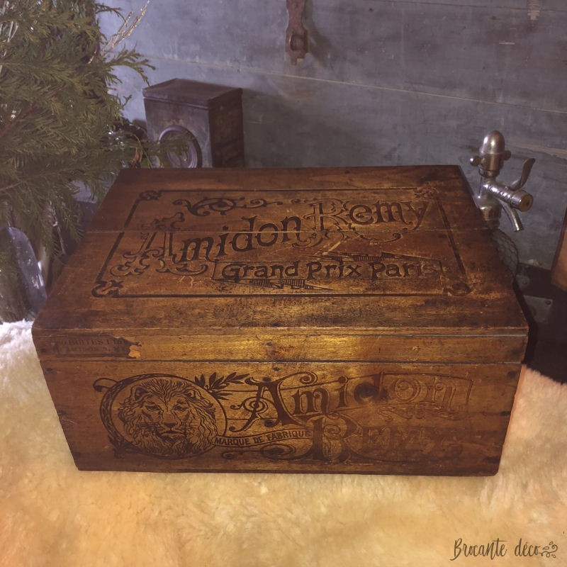 Old wooden box advertising box L'AMIDON REMY
