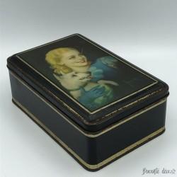 Ancienne boîte en tôle lithographiée |Décor mat | femme et chien