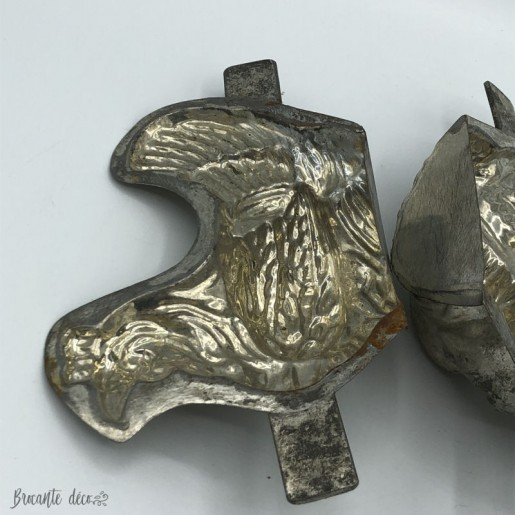 Lot of 2 old chocolate molds - Chickens