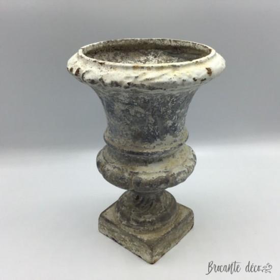 Ancien petit vase Médicis en fonte