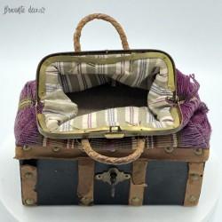 Ancien sac malle de voyage pour poupée  XIX éme siècle  Vers 1875