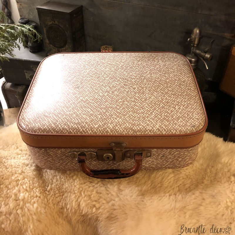 Old small cardboard suitcase   Year 50   Vintage   Deco