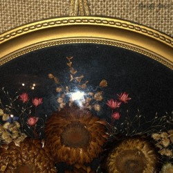Old table of dried flowers | Curved glass | Kitsch style