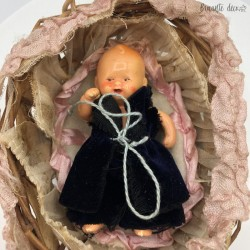 Miniature porcelain doll | Germany | With original carrycot