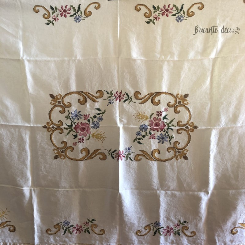 ♔ Old hand-embroidered tablecloth | Cross stitch ♔