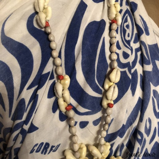 Vintage Tahitian shell necklace | Large medallion | 70s