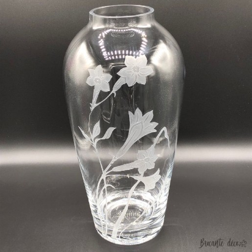 ❀ Large transparent glass vase decorated with daffodils