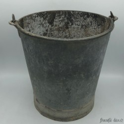 Vintage zinc well bucket for outdoor or indoor