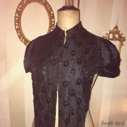 ♔ Old black jet women's clothing | Beaded jewelry ♔