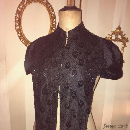 ♔ Ancien vêtement à perles de jais noires pour femme ♔