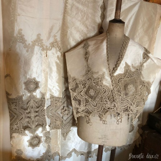 ♔ Lot of old silk, taffeta and lace curtains ♔