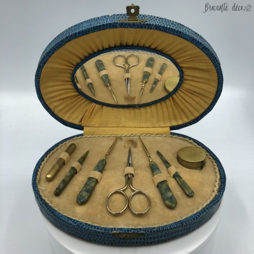 ✄ Old sewing kit - Blue box