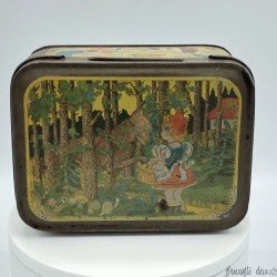 Old lithographed tin box | Damoiseau | Little Red Riding Hood