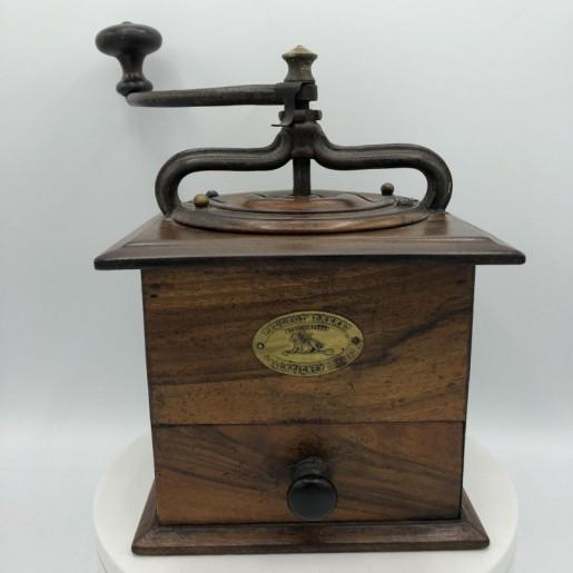Old wooden coffee grinder | Peugeot Frères Valentigney Doubs registered model