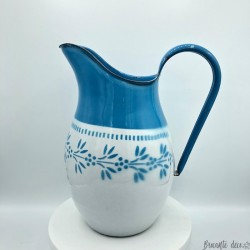 Old enamelled metal pitcher or pitcher | Blue and white | Floral decor