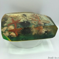 Old vintage resin including fish, seahorse, crab, sea urchin and corals
