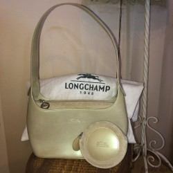 Longchamp handbag in pearly glossy leather and its matching coin purse