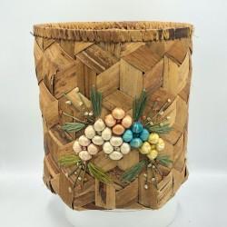 Vintage raffia embroidered basket | Vintage decoration