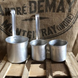 Lot of 3 old milk or water measures | Farmhouse Deco