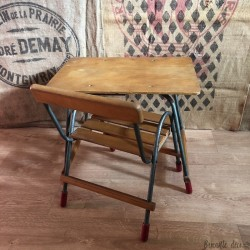 Old small desk with drawer and its matching chair | For children | In wood