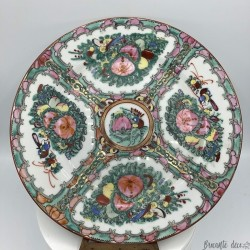 Japanese or Chinese Plate   Floral decor   Tableware decoration