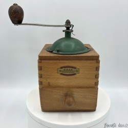 Old coffee grinder | ODAX | In wood | Green | Collection of coffee grinders