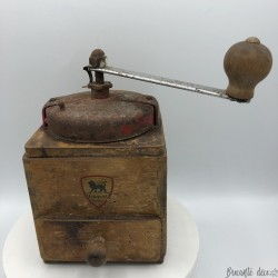 Old Peugeot Frères coffee grinder | Made in France | Red cover