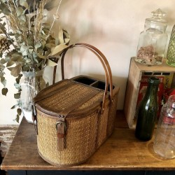 Woven rattan and wood picnic basket | Vintage decor