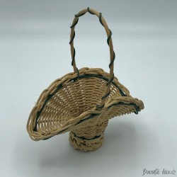 Old miniature wicker basket - Flowers
