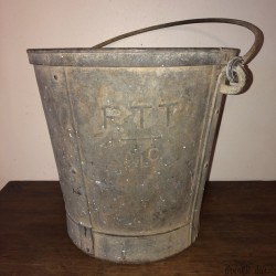 Old zinc bucket | PTT ALC | Old bucket | Farmhouse