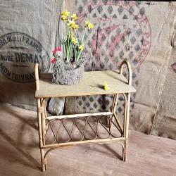 Ancienne petite console ou table d'appoint   Vintage   En rotin   Années 60